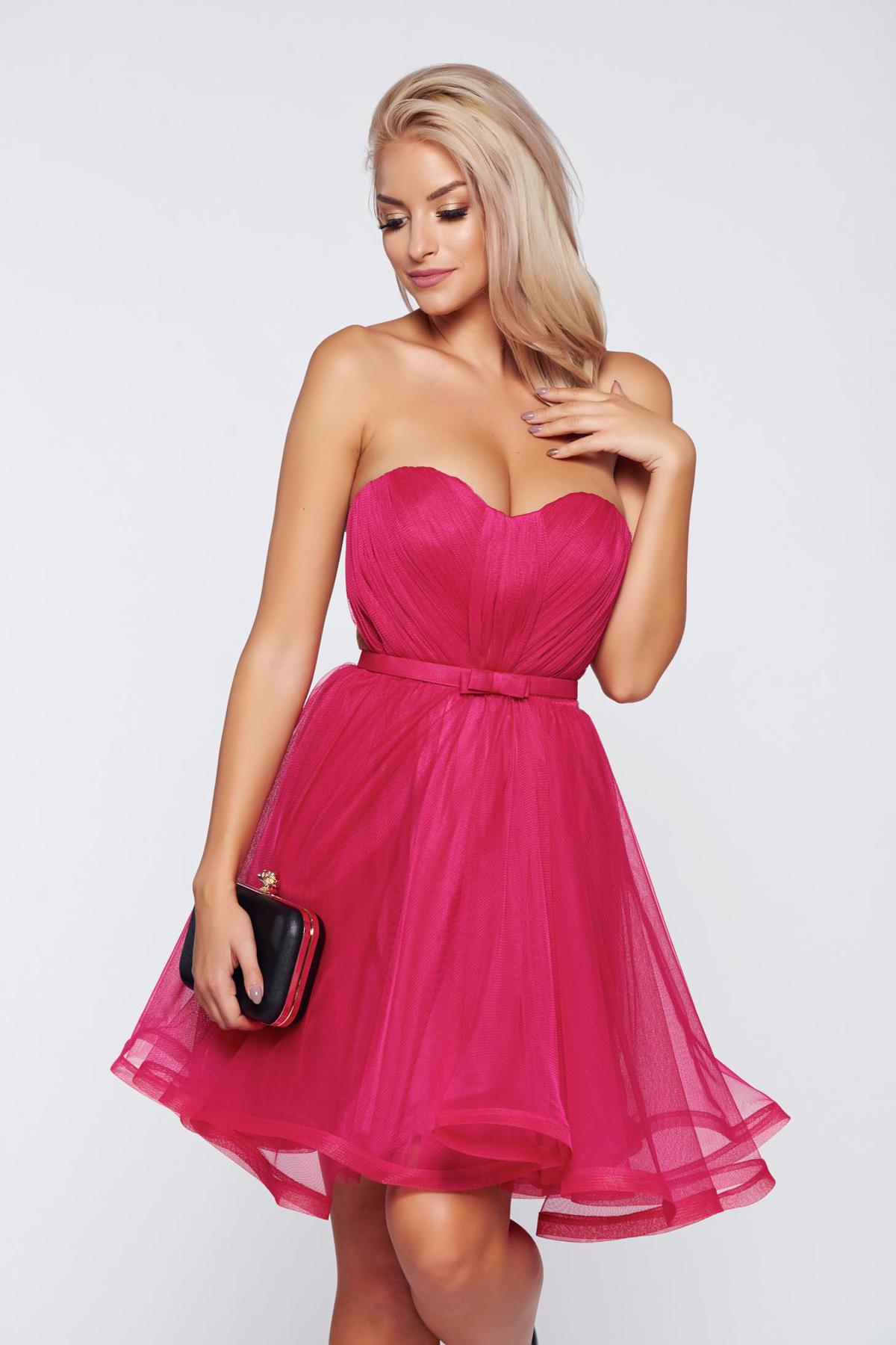 Rochie Ana Radu roz de lux tip corset din tul captusita pe interior cu bust buretat accesorizata cu cordon