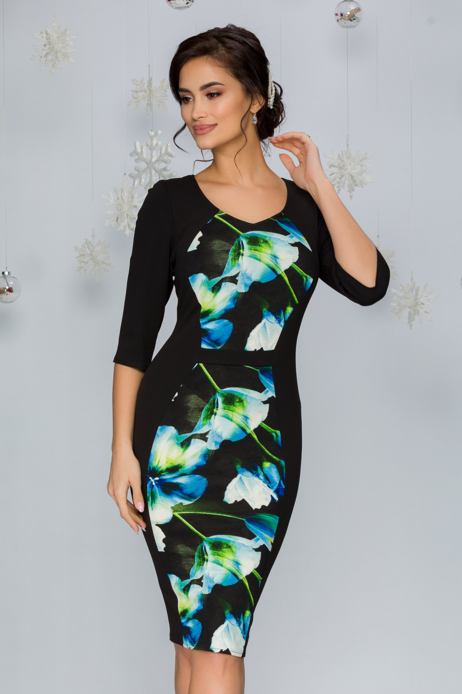 Rochie Yelta neagra cu flori albastre