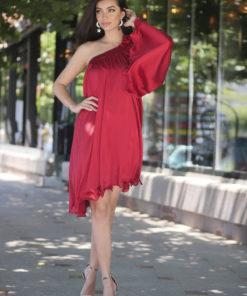 Rochie Artista rosie asimetrica de ocazie cu croi larg din material satinat