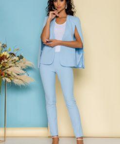 Compleu bleu cu pantaloni usor conici si sacou cu decupaje stylish